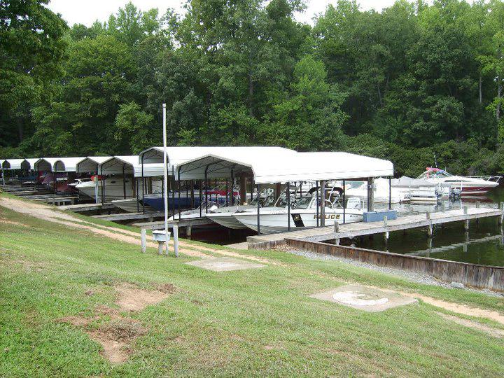 dukes creek marina boat slips